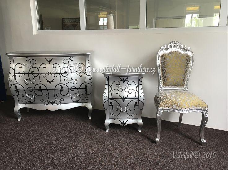 Stříbrná retro jídelní židle, komoda, noční stolek, silver leaf dining chair with silver painted design commode and nightstand, bedside