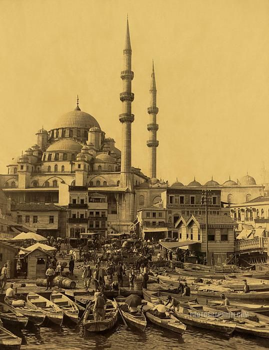 Boatmen in Eminonu, near Galata Bridge, the New Mosque, Yeni Cami, Istanbul, Turkey, Constantinople, Ottoman,