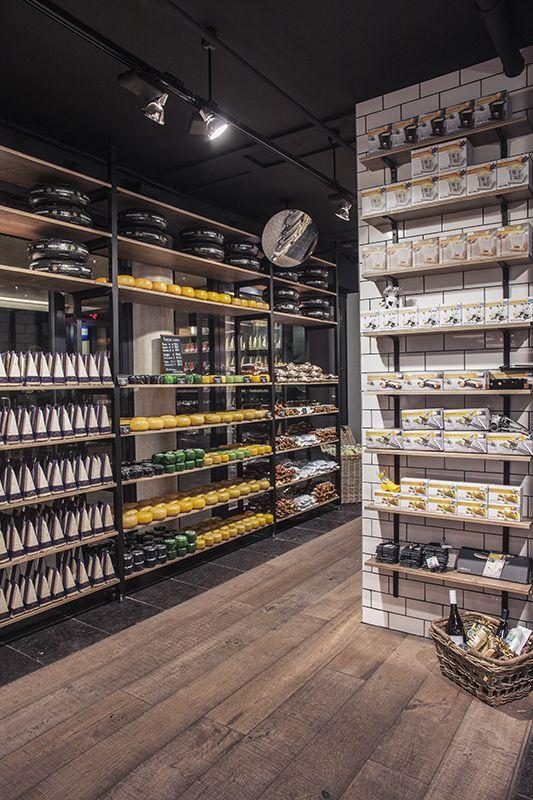 ©studiomfd, store, design, creative store, cheese, amsterdam, old amsterdam, window cabinet, AMSTERDAM CHEESE STORE (www.studiomfd.com)
