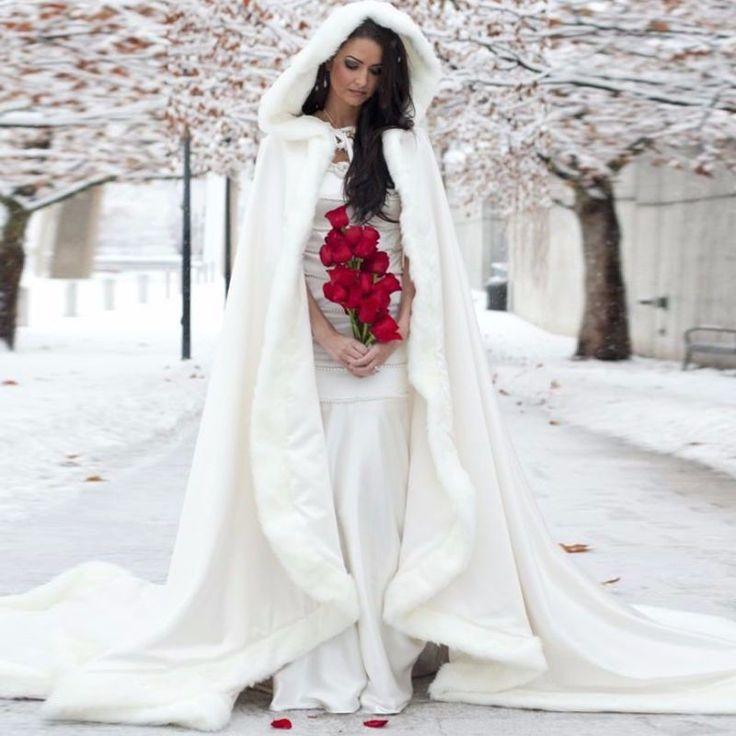 Winterhochzeit brautkleid  Die besten 25+ Winter Hochzeit Kleidung Ideen auf Pinterest ...