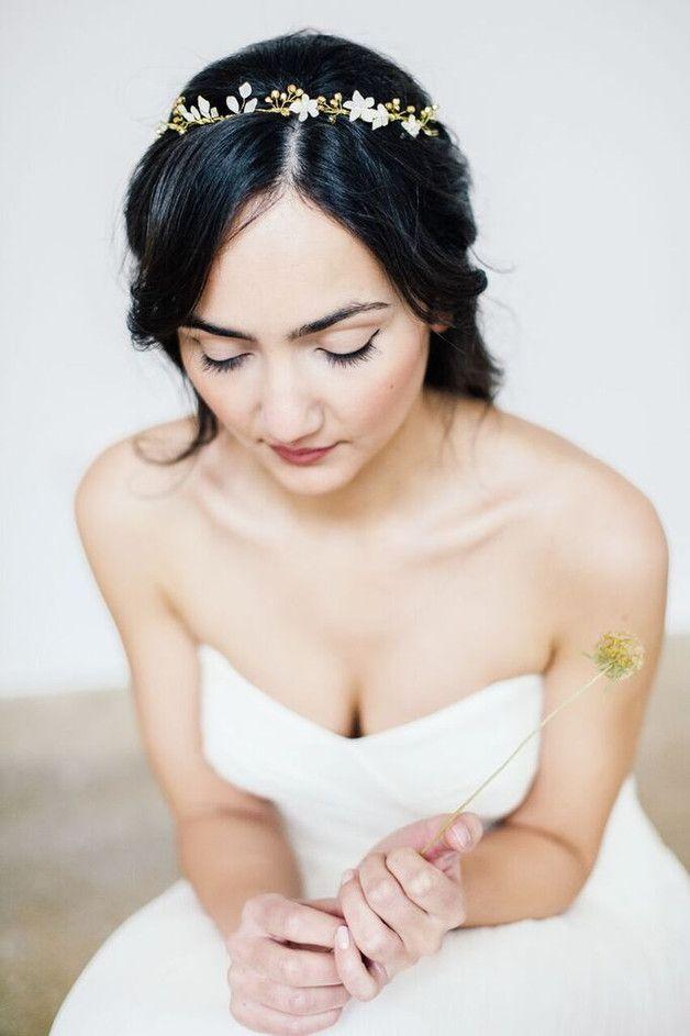 Romantisches Headpiece für die Braut, Blüten, Kranz / wedding accessory, floral wreath, romantic made by anoushka via DaWanda.com