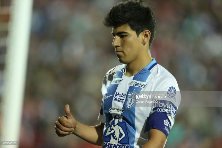 Erick Gutierrez of Pachuca gives a thumb up during the semifinals first leg match between FC Dallas and Pachuca as part of the CONCACAF Champions League 2017 at Toyota Stadium on March 15, 2017 in Dallas, United States.