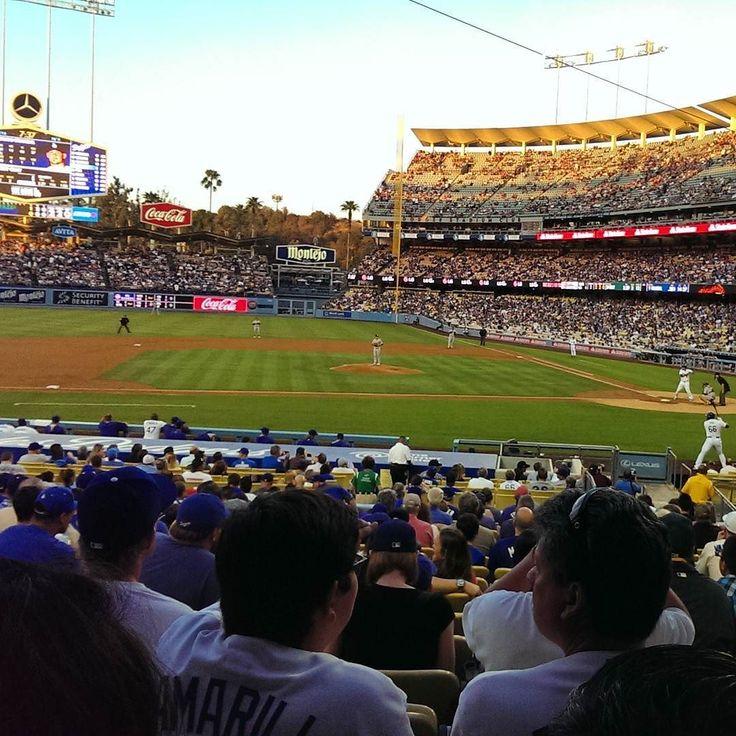 THINK BLUE: LA.Dodger Stadium.#фотодня #спорт #сша #лосанджелес #доджерс #бейсбол #стадион #инстаграмнедели #подписчикилайки #love #lax #dodgers #dodgerstadium #mlb #followmenow #instagood #instagramers #baseball #spring #amazing #beautiful #awesome #pickofftheday #phototheday #100likes #blue #boysinblue #eastcost #tagsforlikes #instacool by glukhof