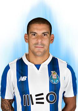 FC Porto - Maxi Pereira