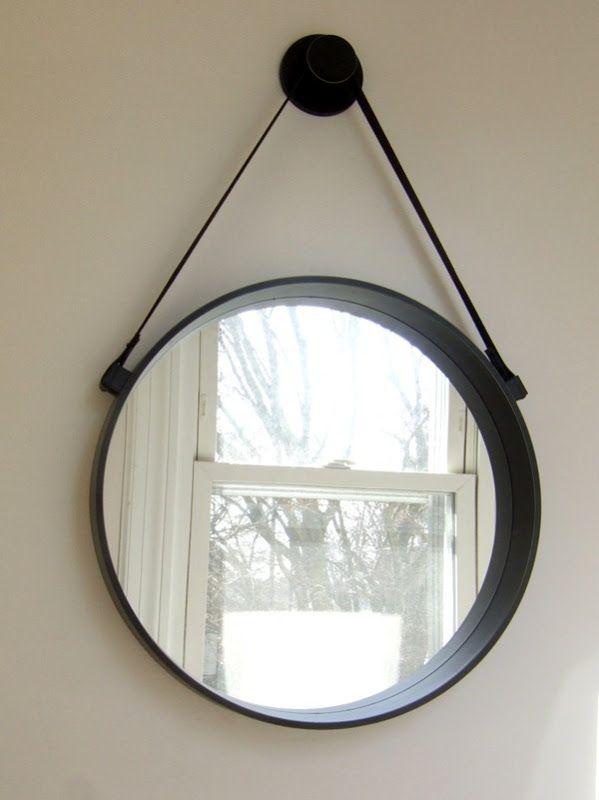 Round hanging mirror. Love.