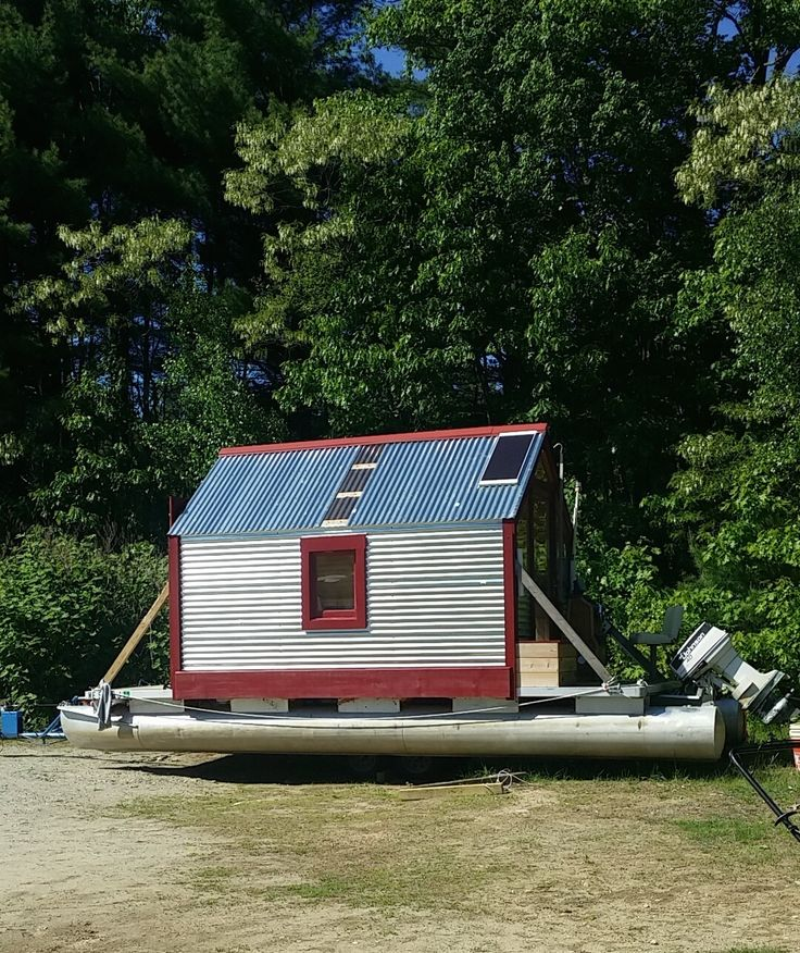 The Love Shack Is A Tiny House Boat Built By Jeff And Shared Sherry Its Like Ice Set Up On Pontoons With Solar Power All