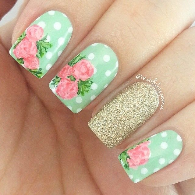 Polka dot roses with glitter accent nail