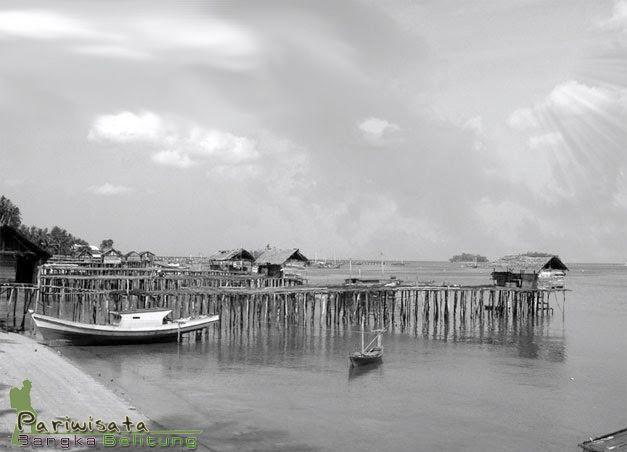 Pantai Tanjung Binga termasuk dalam paket liburan komplit dalam tour Belitung. Pantainya dapet, segarnya wisata kuliner juga akses wisata pulau. Enjoy Belitung