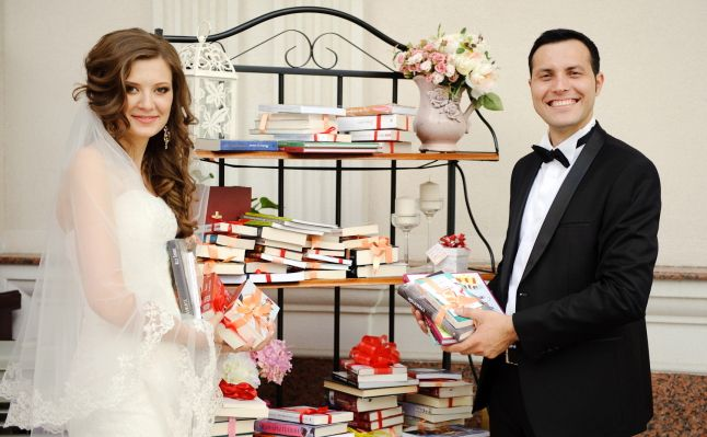 Top 21 cărți pe care să le dăruiești la nuntă