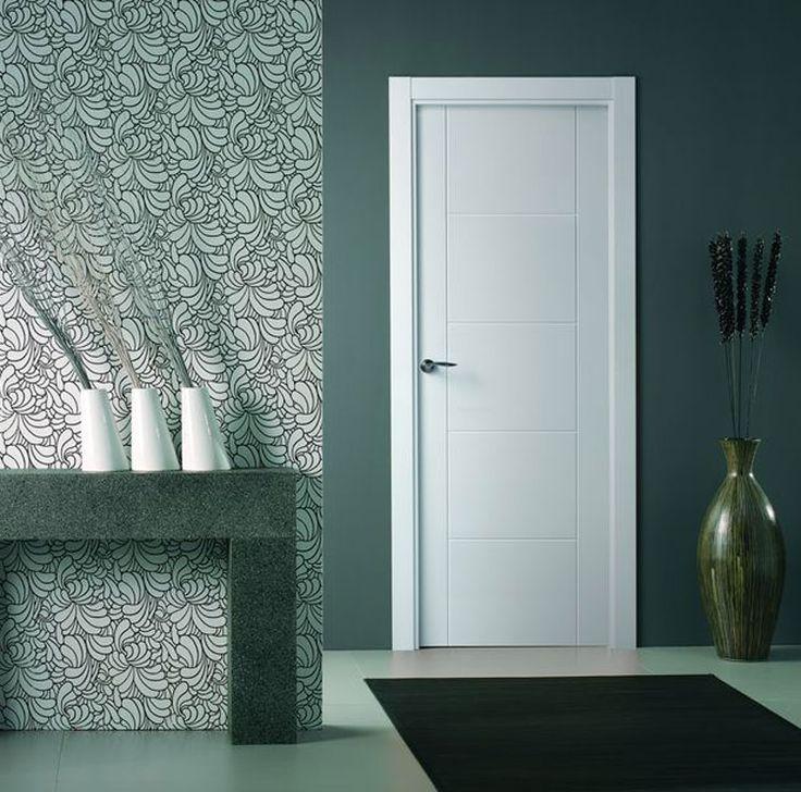 Puerta moderna lacada en blanco