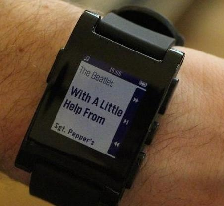 The Pebble Smart Watch gets the RunKeeper app, keeping you connected without your smartphone.