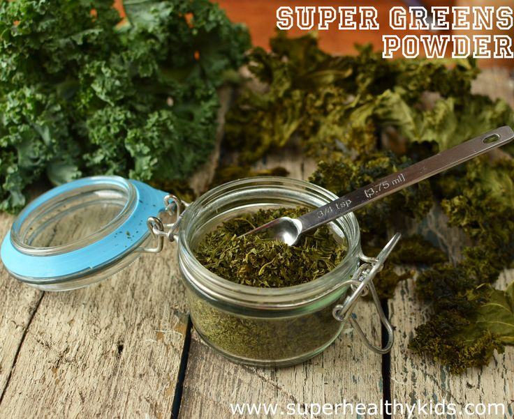 Dried Super Greens- preserve your harvest by drying and blending into a powder. Use in smoothies, marinara sauce or even eggs! #dryproduce