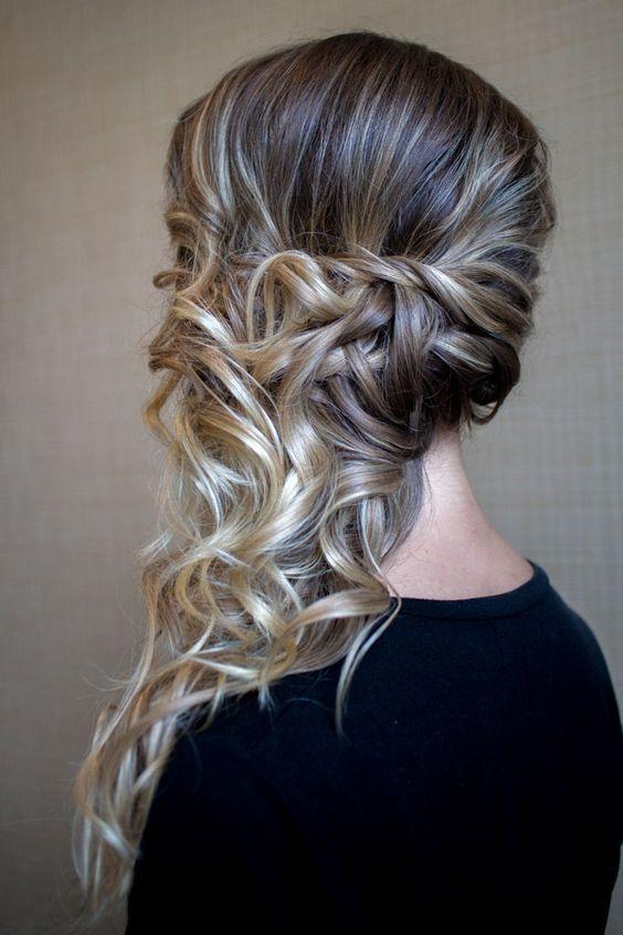 Peinados recogidos de lado para fiestas