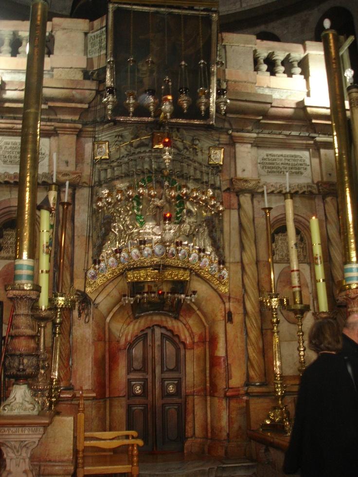 Conocer el Santo Sepulcro fue una de las experiencias que compartieron los jóvenes ecuatorianos en Jerusalén.