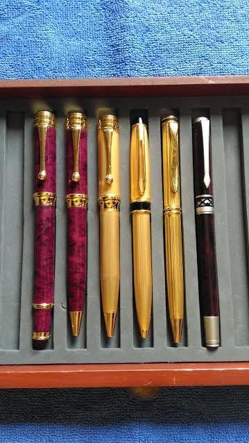 """Zes Iridium vintage pennen  Zes Iridium vintage pennen2 vulpennen een van hen is een """"Fabio Zanni"""".Behoud van de uitstekende conditie.Deze kavel zal worden zorgvuldig verpakt en verzonden door geregistreerde en verzekerde post met het tracking-nummer via de website http://ift.tt/2rE90Qz kan afgehaald worden in persoon in Vila Nova de Gaia Porto Portugal.De verzending duurt maximaal 3 dagen nadat de betaling is bevestigd. De verkoper accepteert geen klachten vanwege vertragingen leveren nadat…"""