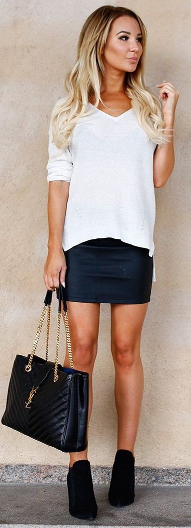 The 25+ best Leather skirt outfits ideas on Pinterest | Leather skirt Leather pencil skirts and ...