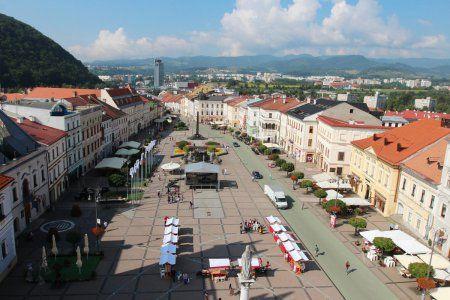 Priestor po zbúraní Kina Urpín sa má zaplniť: V centre Bystrice chcú postaviť parkovací dom - Bystrica24.sk