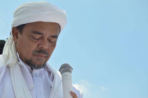 Dalam Videonya Habib Rizieq Tidak Ada Lecehkan Umat Kristiani! Ini Buktinya!!!  Headlineislam.com - Perhimpunan Mahasiswa Katolik Republik Indonesia (PMKRI) resmi melaporkan Pemimpin sekaligus Imam Besar Front Pembela Islam (FPI) M. Rizieq Syihab ke Polda Metro Jaya (PMJ) di Jakarta Senin (26/12). Pria yang akrab disapa Habib Rizieq itu diperkarakan karena dinilai melakukan penistaan agama seperti diatur dalam Pasal 156a KUHP. Ketua Presidium PP PMKRI Angelo Wake Kako mengatakan Habib Rizieq…