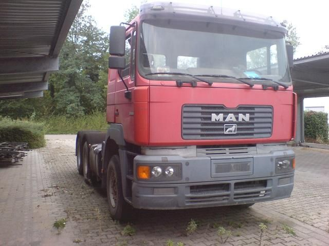 We sell Tractor MAN 604 Second Hand very cheap. Manufacture year: 2000. Very good working condition. The machine is very well cared. Ask us for price. Reference number: AC1566. Second Hand. Baurent Romania.