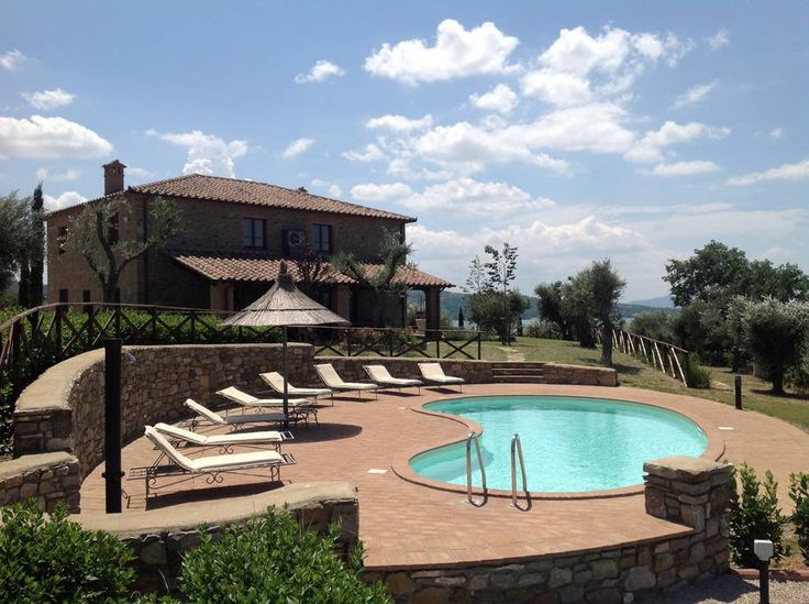 Villa in San Vito, Italy. Do spend your next dream vacation at Villa dei Tramonti: a beautiful and completely renovated villa located on the hillside overlooking the Trasimeno Lake and the Tuscan hills. If you are looking for a holiday of relaxation and tranquility, surrou...