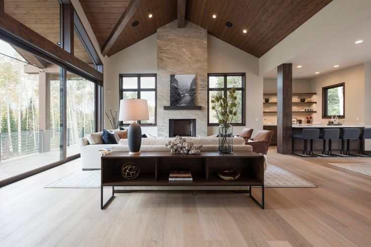 Ski Home in Park City by Phillips Development   Situated in Park City, Utah, this beautiful ski home was designed in 2016 by Phillips Development.