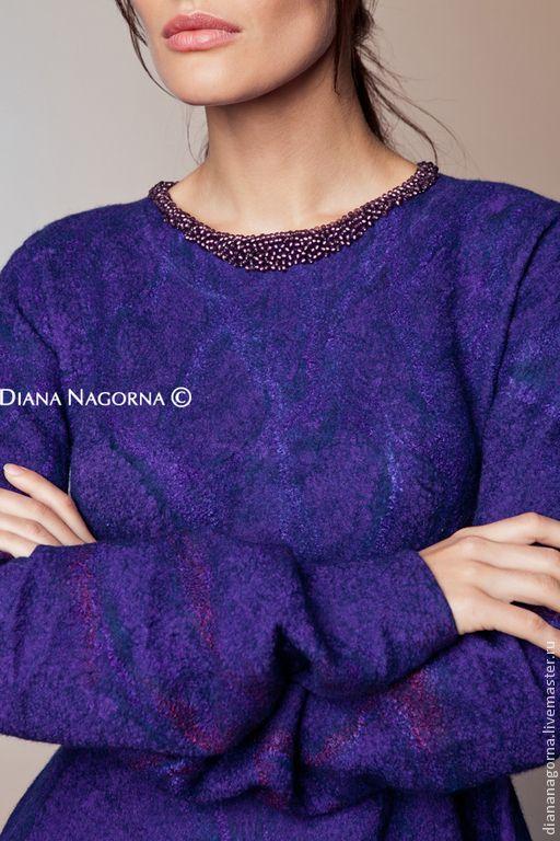 Купить или заказать Платье из мериносовой шерсти и шелкового шифона ' Lola ' в интернет-магазине на Ярмарке Мастеров. Платье из моей новой коллекции ' my Blue Shade' , выполнено в технике нуно-войлок из тончайшей мериносовой шерсти и шёлкового шифона. Ручная работа. Тонкое и лёгкое. Украшено ручной бисерной вышивкой. Платье с юбкой солнце. Застёж…