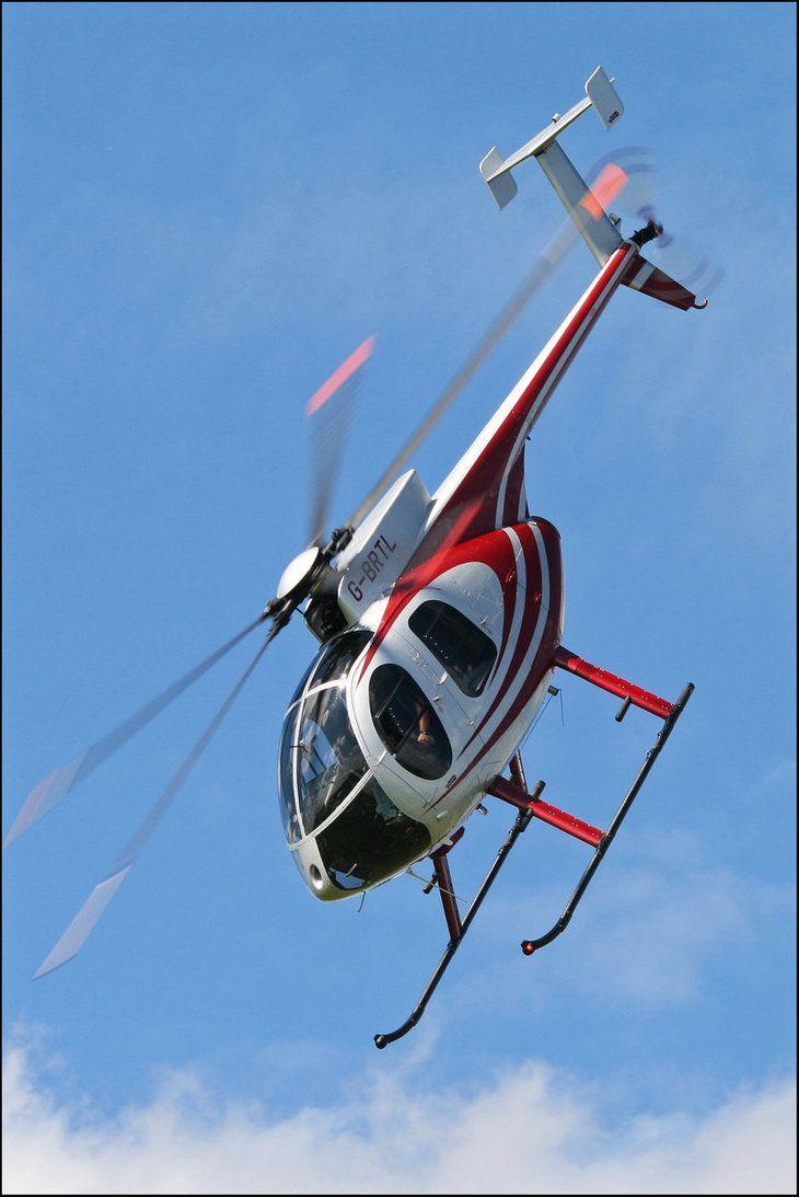 Elicottero Jet Ranger : Atterraggio due a lame dell elicottero di bell b jetranger iii