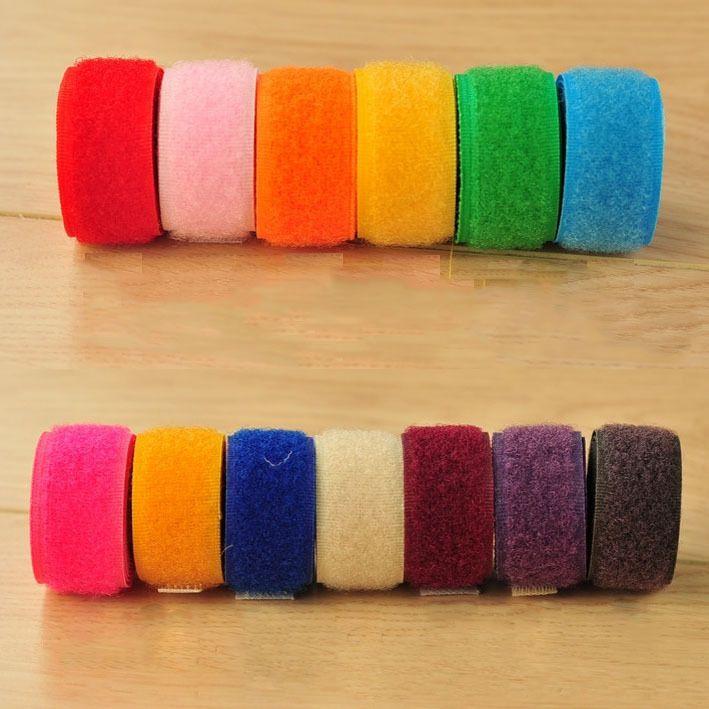 Barato Colorful Self Adhesive Velcro Tapes Rolo gancho laço Fita Adesiva Fastener Cores Misturadas Entrega, Compro Qualidade Fitas de Velcro diretamente de fornecedores da China:   Size : 2*100 cm per roll ( Including 1M loop side and 1M hook side )Package : 5 Rolls ( Mixed Colors D