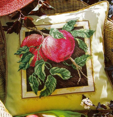 Cross stitch - flowers: Apples (free pattern with chart)