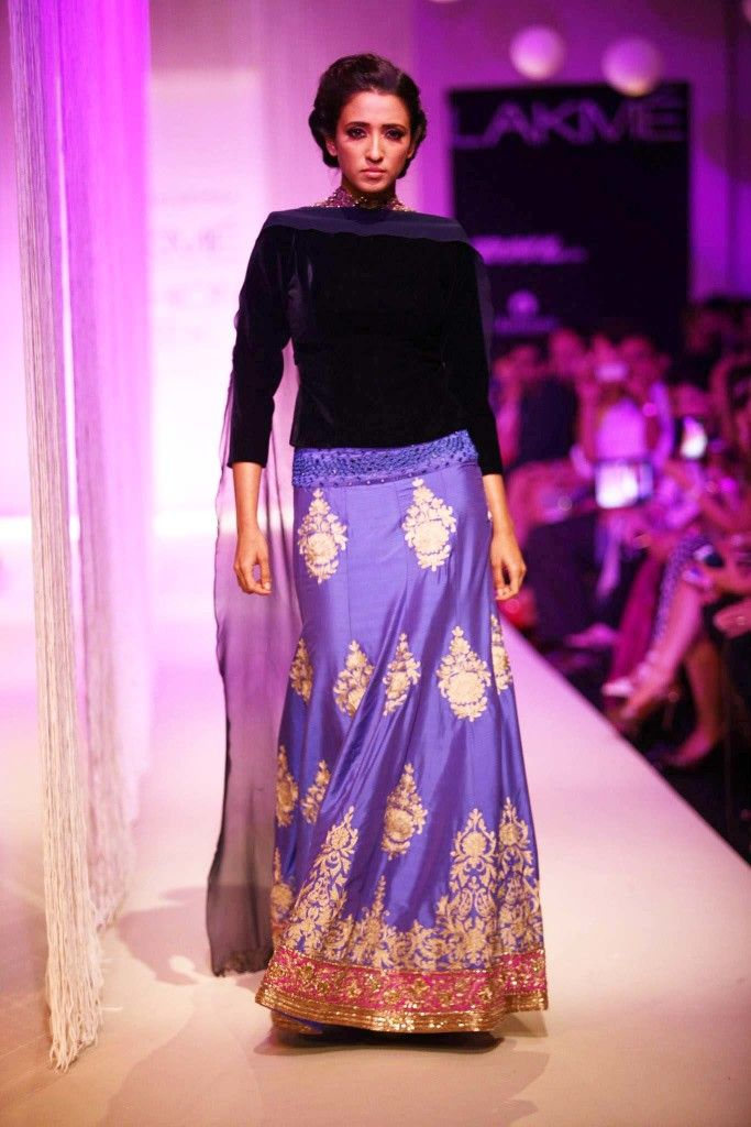 109 best Saris, Anarkalis and Lehengas images on Pinterest | India ...