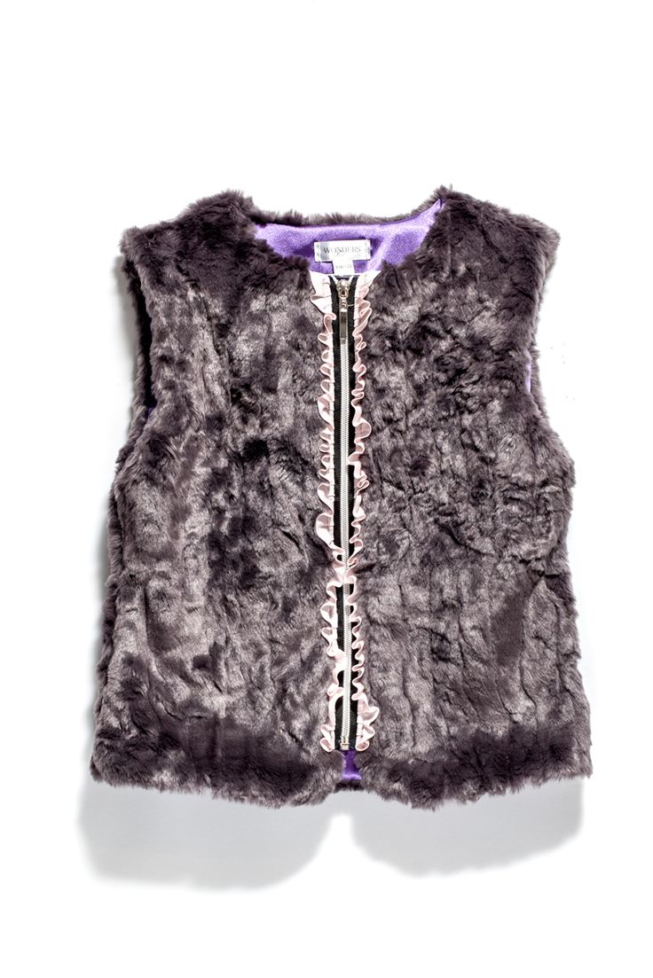We ship worldwide! See our collections on: www.wondersfashion.com