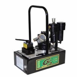 BOMBA DE AIRE SIMPLEX, SERIE G5 MOTOR: 3 HP. PRESION DE OPERACION MAXIMA: 10,000 PSI Desarrollado por una veleta de aire rotativos. Con silenciador en el filtro de aire, lubricante y agarradera. Alto rendimiento de la bomba en dos etapas, proporciona un mayor cruce de presión para tiempos de ciclo más rápidos y la operación del equipo. La válvula de precisión, ofrece una fiabilidad y una carga segura. Ideal para usar con cilindros de tamaño medio hidráulico o herramientas…