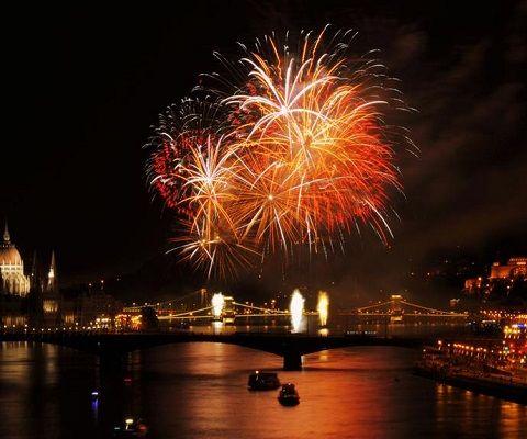 Firework cruise budapest