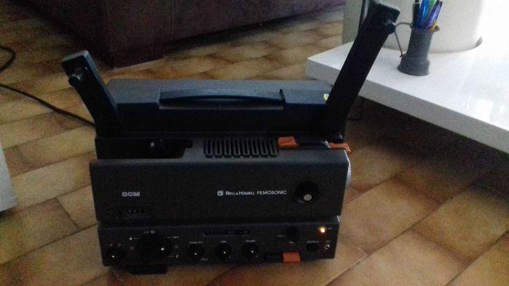 projecteur de film ancien BELL et HOWELL modèle 21 DCM  filmosonic à voir!