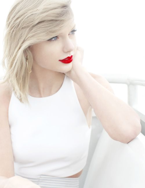 """Live your life beautifully and someone will want to be part of it."" —Taylor Swift"