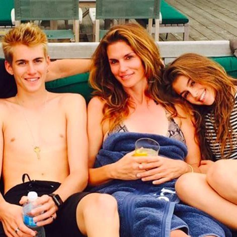 You'll Want to Join Cindy Crawford's Family Lake Vacation After Seeing These Snaps
