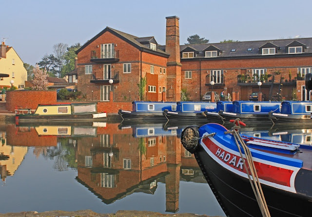 Market Harborough, England -- The best canal boating experience we've had was from this location.  The canal boat owners went well beyond our expectations, even to the point of lending us folding lawn chairs to use along the canal when we tied up for a rest or for the evening.
