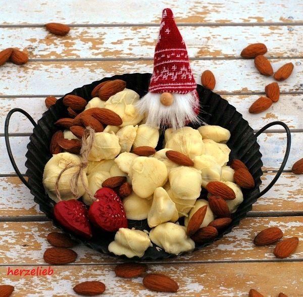 Rezept für ein Geschenk aus der Küche - weiße Schoko-Lakritzmandeln von herzelieb #deutsch #reezepte #foodblog