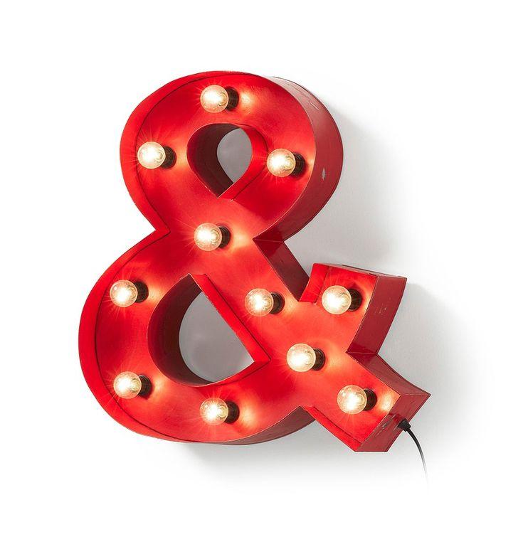 Lámpara bombillas letra Ampersand roja