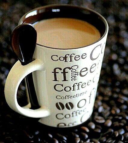 Komplet(KUBEK Z ŁYŻECZKĄ) do Kawy z porcelany w 3D.