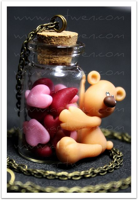....bearing hearts in a bottle?...what a beary creative idea for a necklace!...i'd LOVE to wear one around my neck!!...