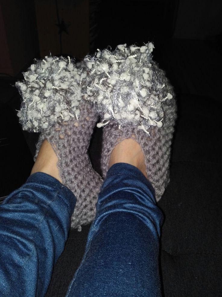 $10 pom pom house slippers