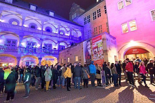 Stuttgart     Lange Nacht in Stuttgart 24.000 Besucher in den Museen - Bei der Langen Nacht der Museen in Stuttgart gab es wieder viel zu bestaunen. http://www.stuttgarter-zeitung.de/inhalt.lange-nacht-in-stuttgart-grosser-andrang-auf-museen-und-bunker.1da1db54-9461-4a3d-930a-6c0e4eaed6e1.html
