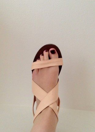 Kupuj mé předměty na #vinted http://www.vinted.cz/damske-boty/sandaly/14523511-romanticke-kozenkove-nude-sandalky-se-zavazovanim-vzadu