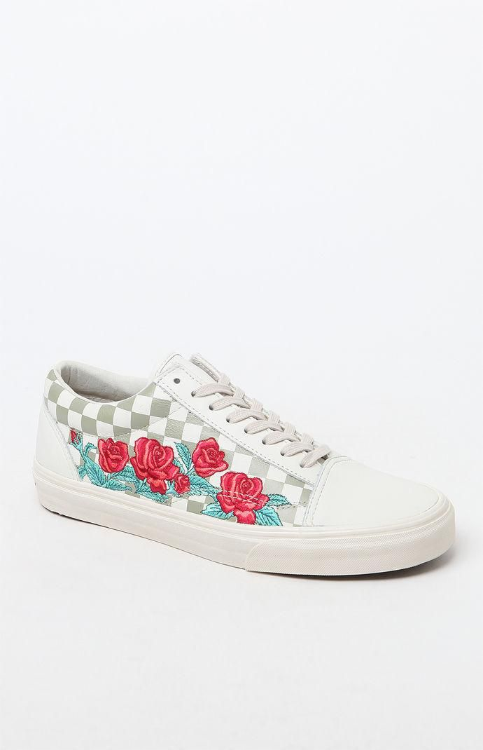 d72a0b7831a674 Vans Rose Embroidery Old Skool DX Shoes