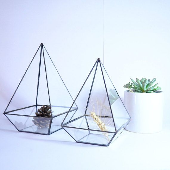 Geometric Terrarium / Pyramid Stained Glass Container / Glass Terrarium / Indoor Decoration / Modern Planter / Planter / Glass Box