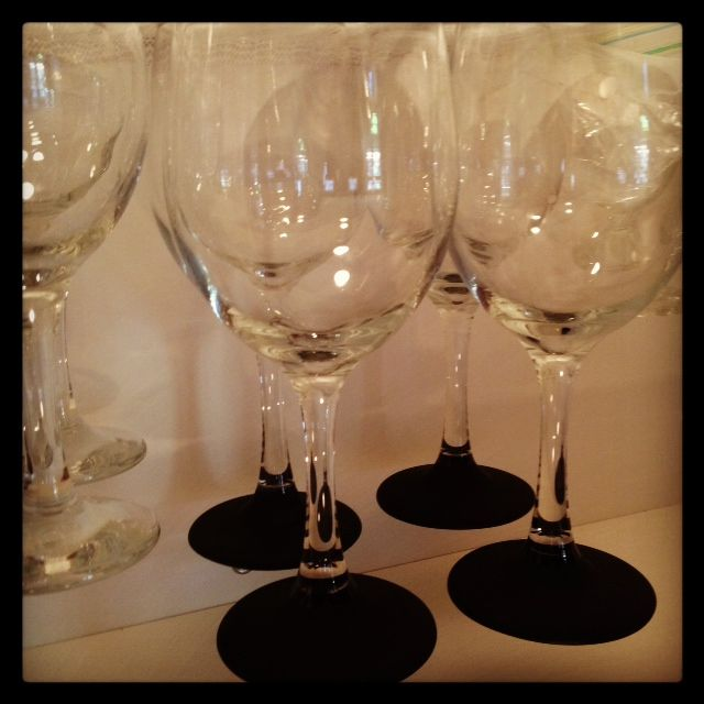 Chalk paint wine glasses diy idea stolen from hana l for Diy painted wine glasses
