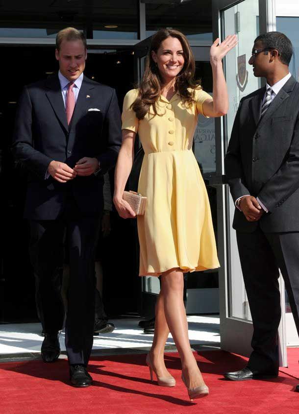 Perfeito, o sapato e a bolsa ,ela já usou em outras ocasiões,,,,perfeito! a duquesa de Cambridge, Kate Middleton,