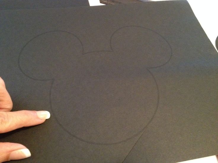DIY Minnie Mouse Invitation With Real Bow + Free Minnie Ears Template | Seshalyn's Party Ideas