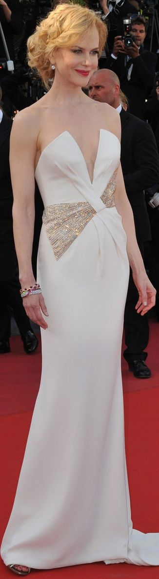 Nicole Kidman in Giorgio Armani gown #white Beautifuls.com Members VIP Fashion Club 40-80% Off Luxury Fashion Brands